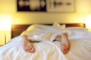 The Rich Sleeps at Least Seven Hours a Night